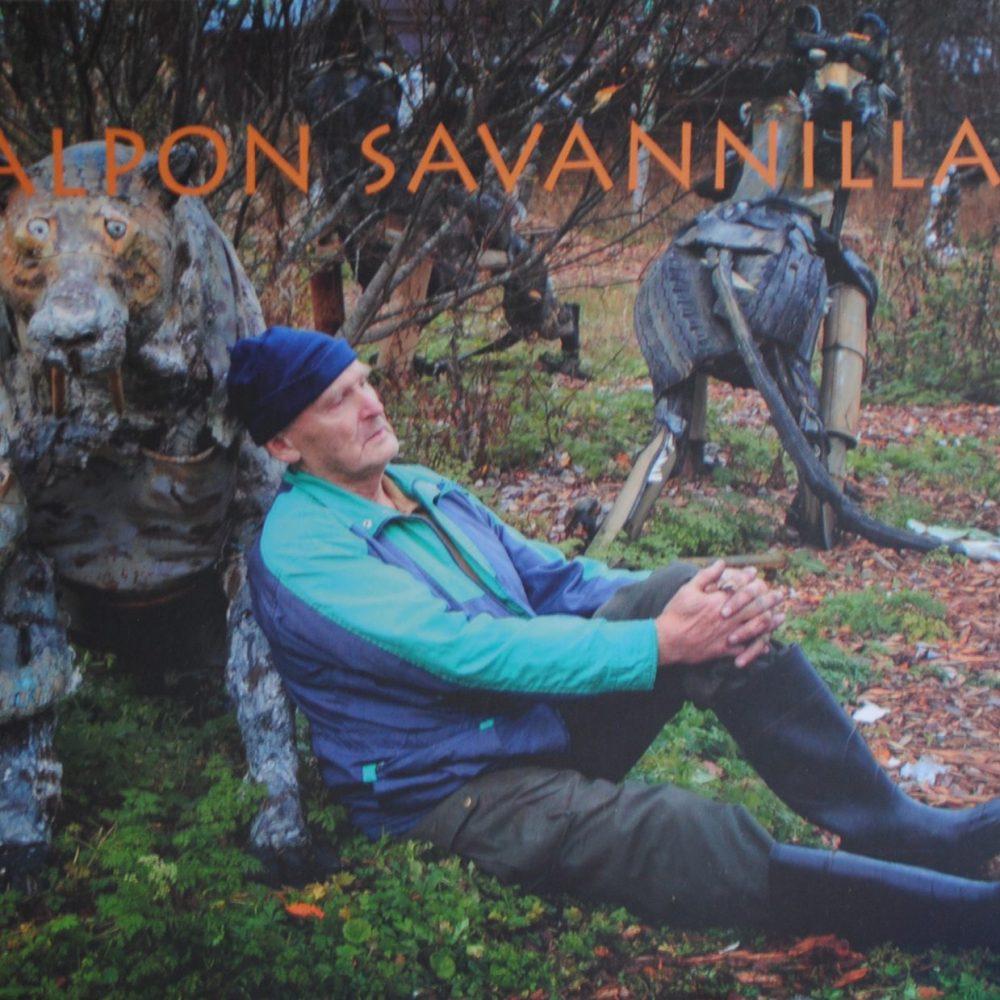 Alpon savannilla -kirja saatavilla